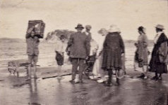 Arriving in Paihia by rowboat - 1914